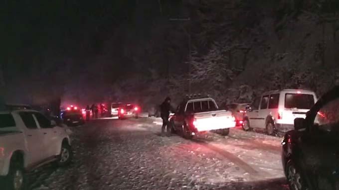 Kar yağışı Ayder Yaylası'nı olumsuz etkiledi