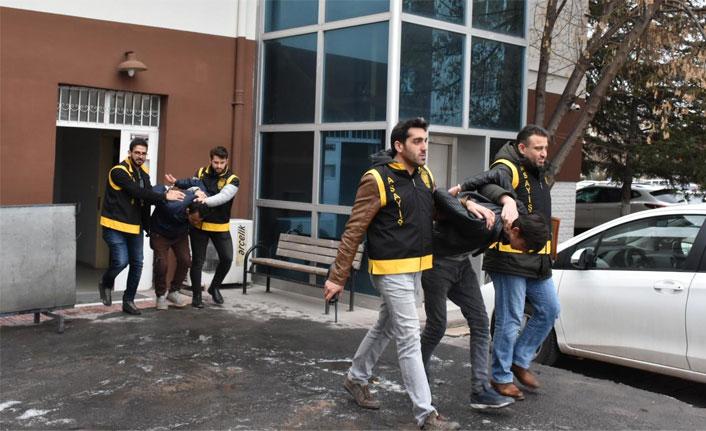 Aksaray'da kömür çalan 2 hırsızlık şüphelisi tutuklandı