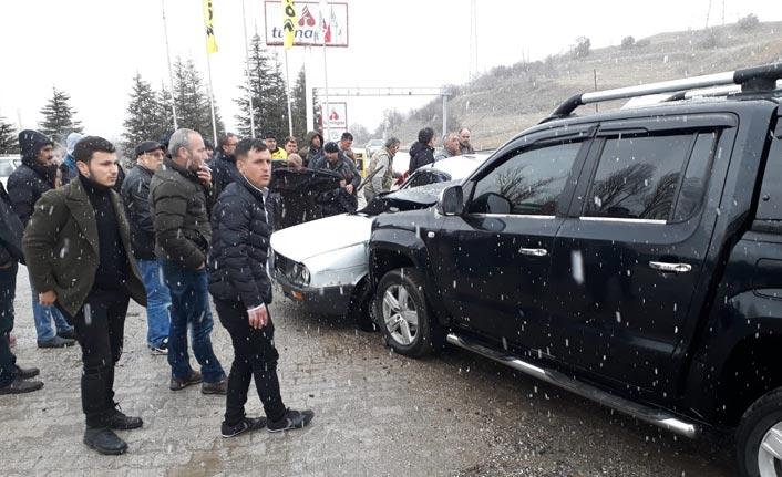 Isparta'da otomobiller çarpıştı