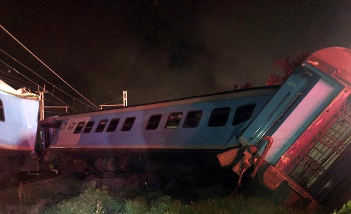Güney Afrika'da trenler çarpıştı