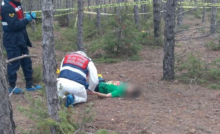 Genç kadın nişanlısını boğazını keserek öldürdü!