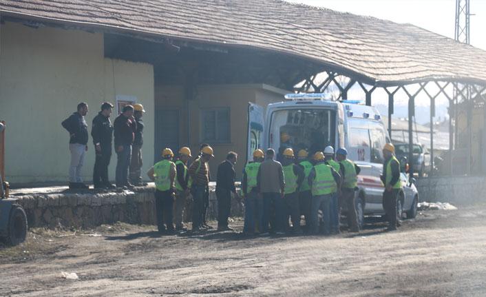 Devrilen vincin altında kalan işçi ağır yaralandı