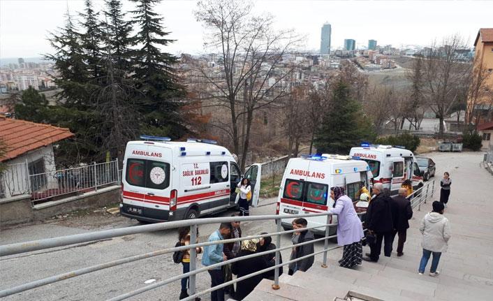 Ankara'da kamyonet okul bahçesine uçtu
