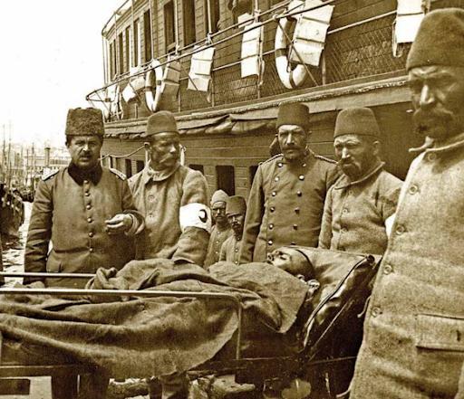 Çanakkale'de türküyü de vurmuşlardı!
