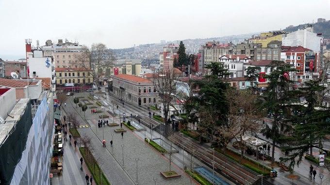 Trabzon meydanında koronavirüs sessizliği