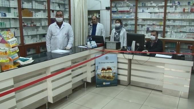 Eczanelerden dikkat çeken koronavirüs önlemi