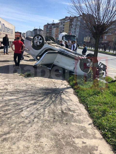 Trabzon'da otomobil takla attı