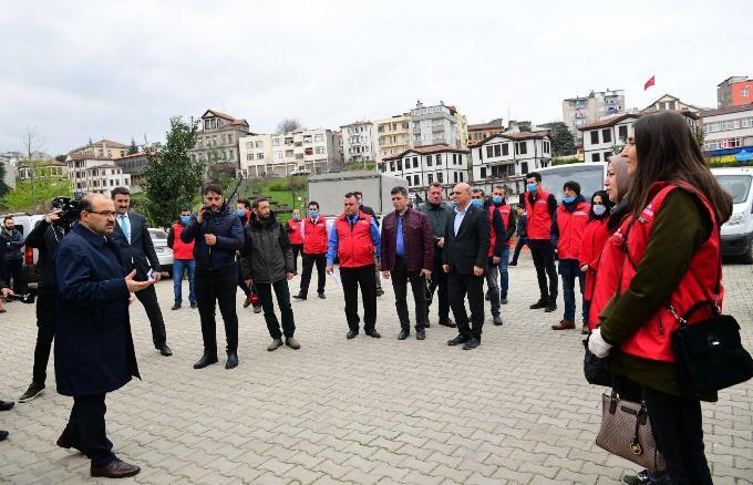 Trabzon'da 18 ilçede 'Vefa Sosyal Destek Grupları' oluşturuldu! Bakın kaç çağrı geldi