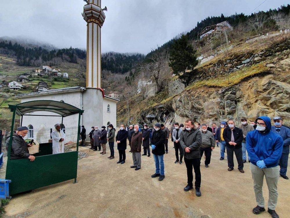 Trabzon'da cenazede koronavirüs önlemi