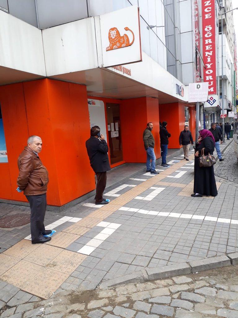 Trabzon sokaklarında insan yoğunluğu