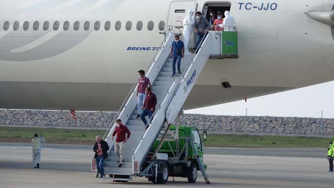 Kuveyt'ten getirilen 301 işçi Giresun'da karantinada