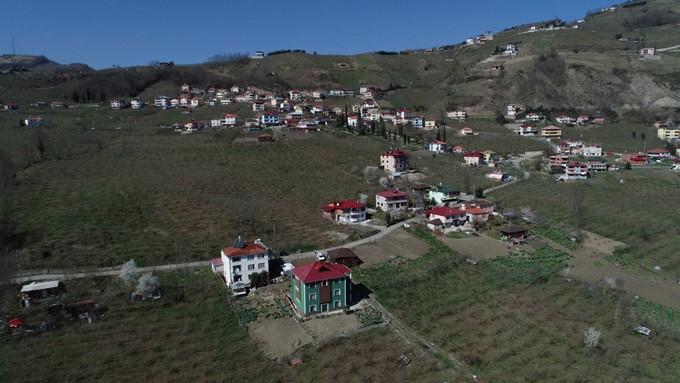 """Trabzon'da bir mahalle tedirgin! """"Gidecek yerimiz yok"""""""