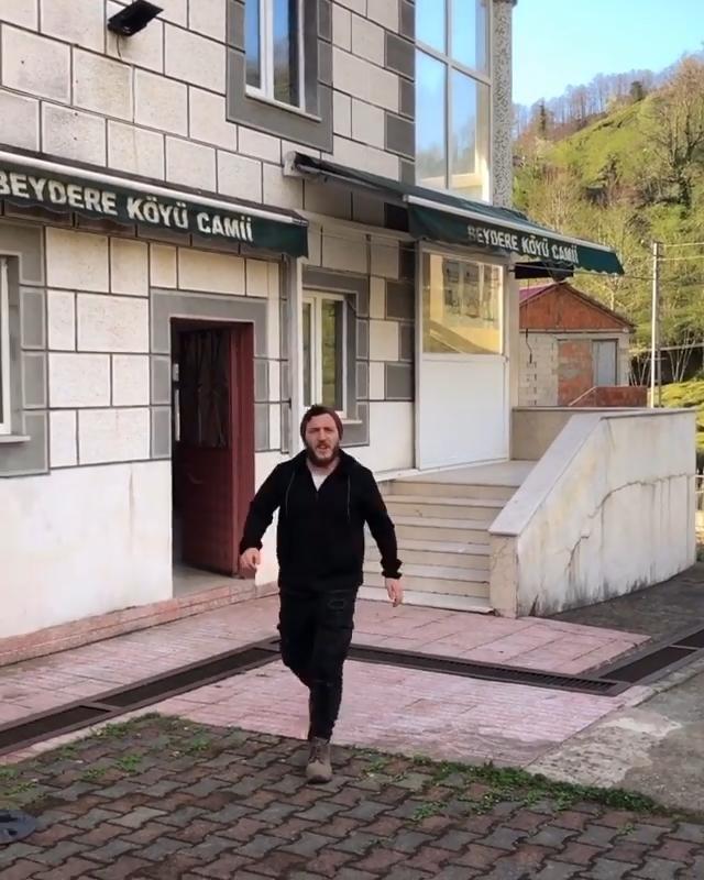Rize'de, cami hoparlöründen güldüren 'evde kalun' anonsu