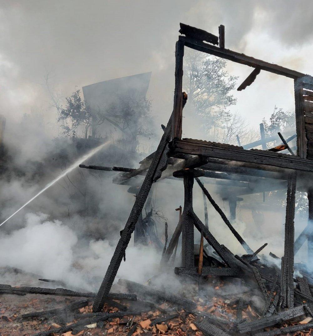 Rize'de yangın korkuttu