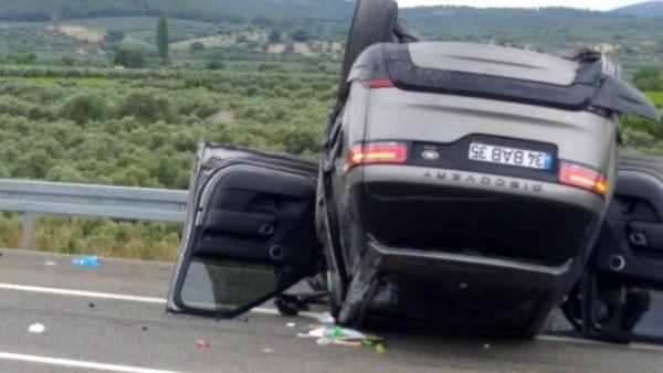 Alişan ve ailesi kaza yaptı! Takla atıp sürüklendi