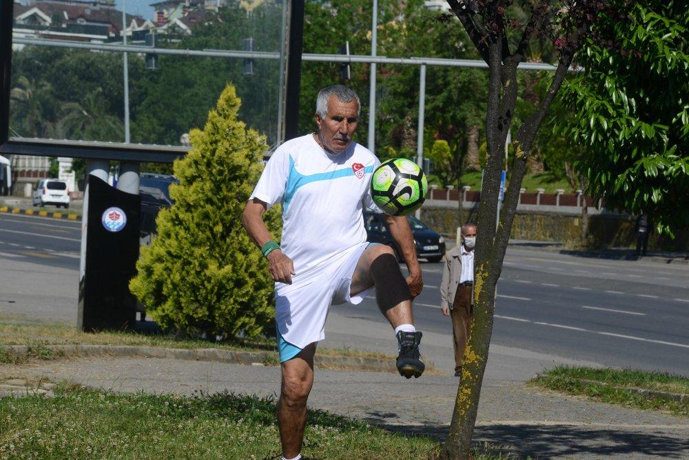 Hedefi dünyanın en yaşlı futbolcusu olmak