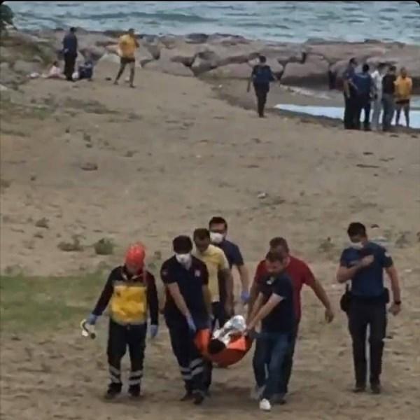 Baba, kızı ve kuzeni boğulmaktan son anda kurtarıldı