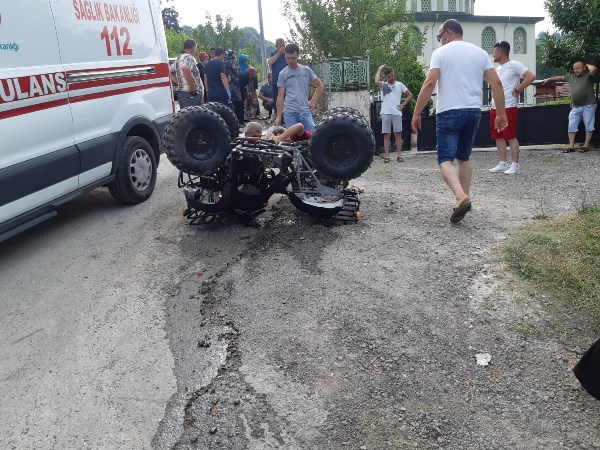 ATV takla attı: 3'ü çocuk 5 yaralı