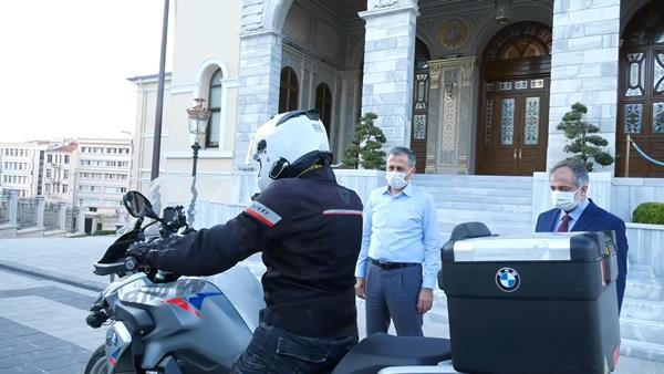 Müezzin motosiklet sürerken Kur'an-ı Kerim'i hatmedecek! Trabzon'dan başlayacak