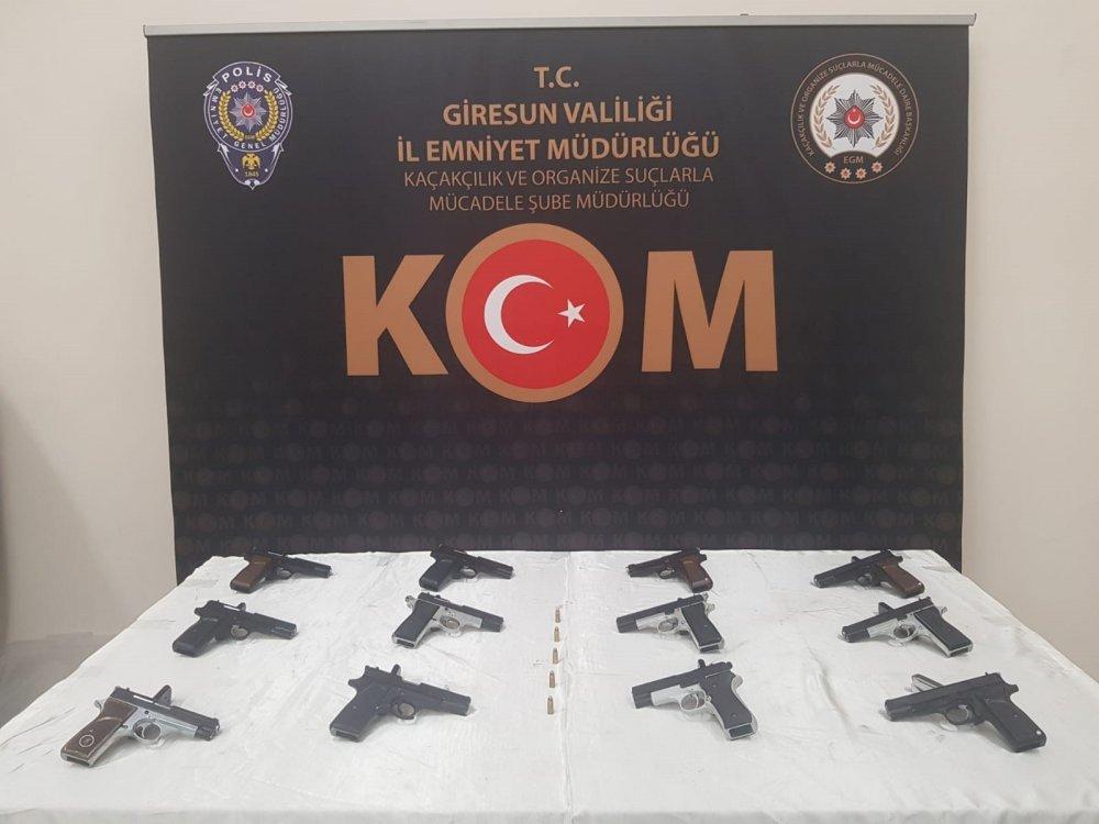 Giresun'da 12 tabanca ele geçirildi