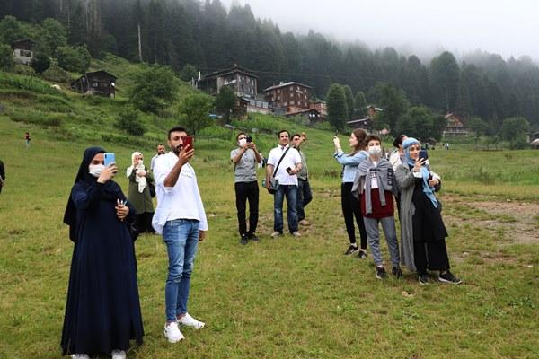 Dünyaca ünlü Ayder Yaylası misafirlerini ağırlamaya başladı