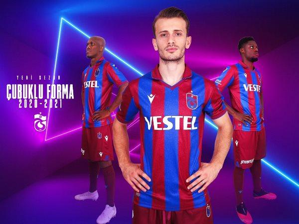 Trabzonspor yeni forma ile sahada