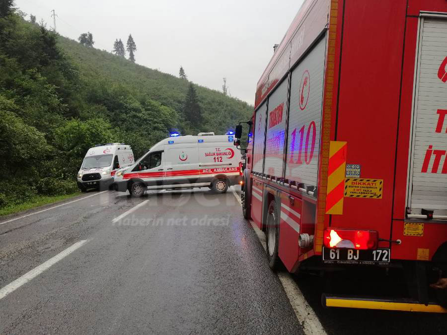 Trabzon'da kamyonet dereye uçtu: 1 Yaralı