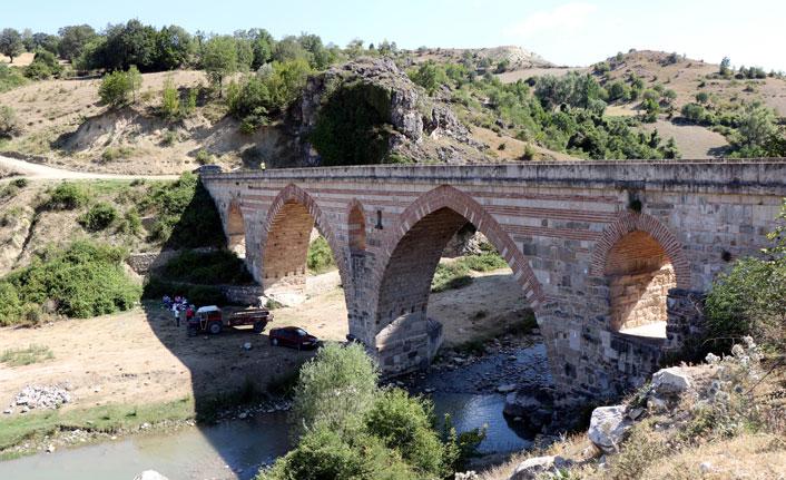 7 asırlık Kurt Köprü turizme köprü oluyor