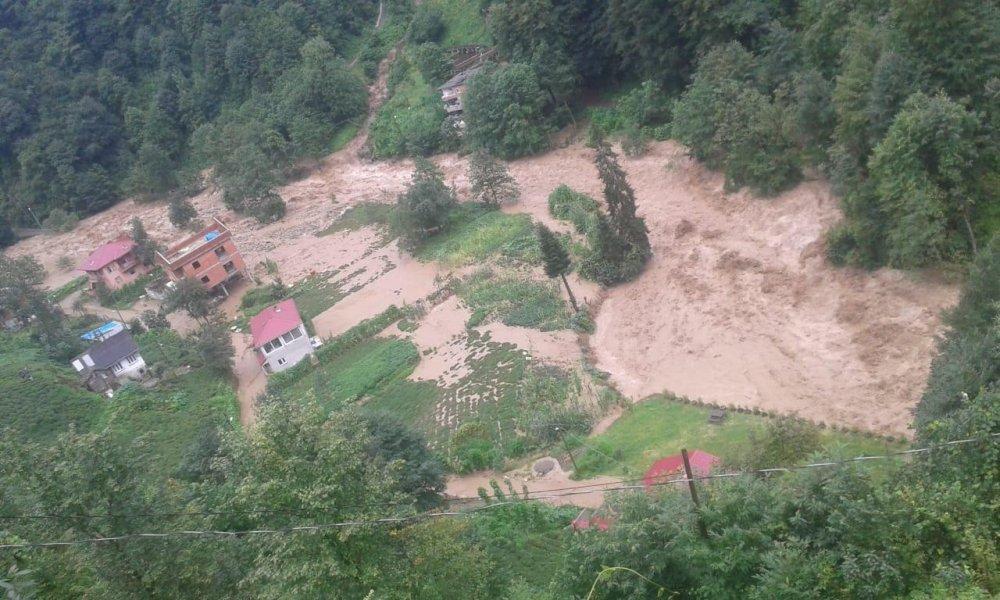 Rize'deki köyden büyük hasar