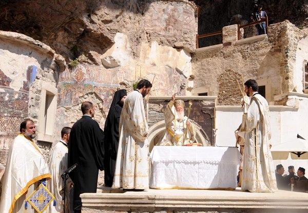 Sümela Manastırı ayine hazır