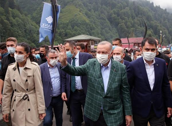 Cumhurbaşkanı Erdoğan'dan Ayder ve Uzungöl açıklaması: Kimse kusura bakmasın yıkılacak!