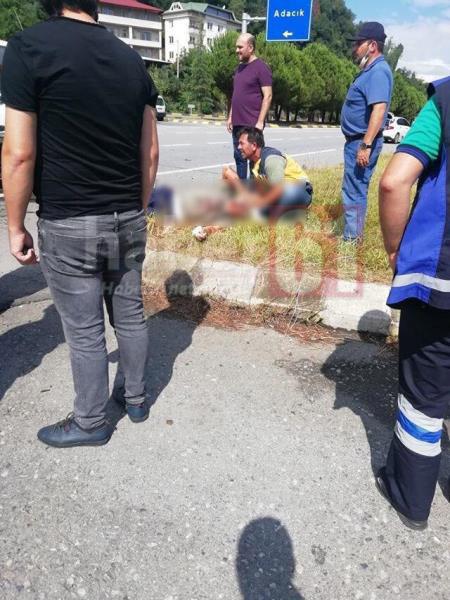 Trabzon'da otomobille kamyonet çarpıştı