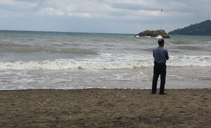 Bir babanın acılı bekleyişi kayıp genci Karadeniz geri vermiyor