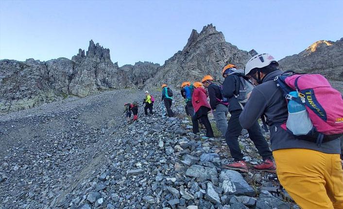 Ordulu dağcılar Kaçkar zirvesinde