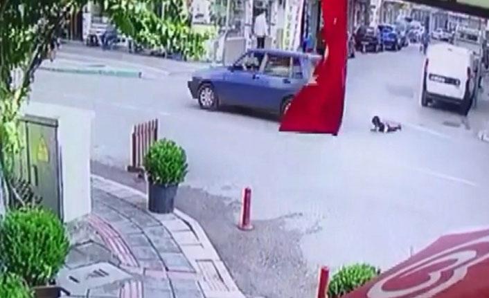 Kapı açıldı çocuk böyle düştü