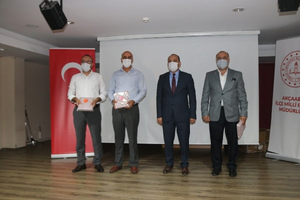 Akçaabat Belediyesi'nden öğrencilere tablet desteği