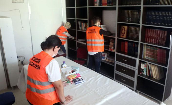 Gençler istedi, belediye kütüphaneyi yeniledi
