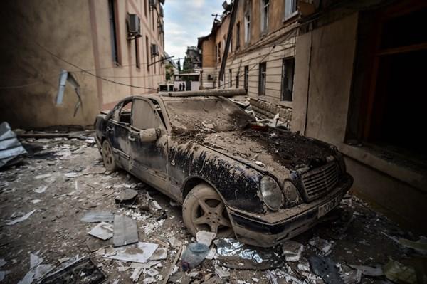 Ermenistan Azerbaycan'ın Gence kentini vurdu: 7 ölü, 33 yaralı