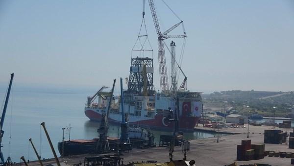 """Trabzon'da o bölgeye işaret etti! """"Daha derin sondaj ile petrol bulunabilir"""""""