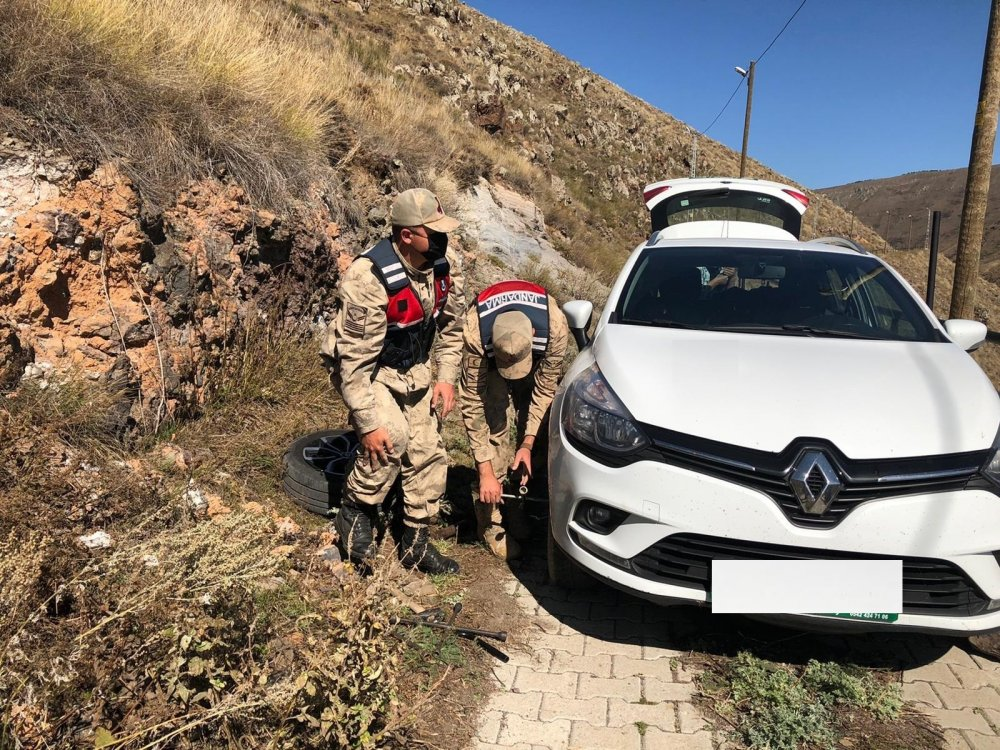 Trabzon'dan yola çıktı! Ardahan'da yardımına Jandarma koştu
