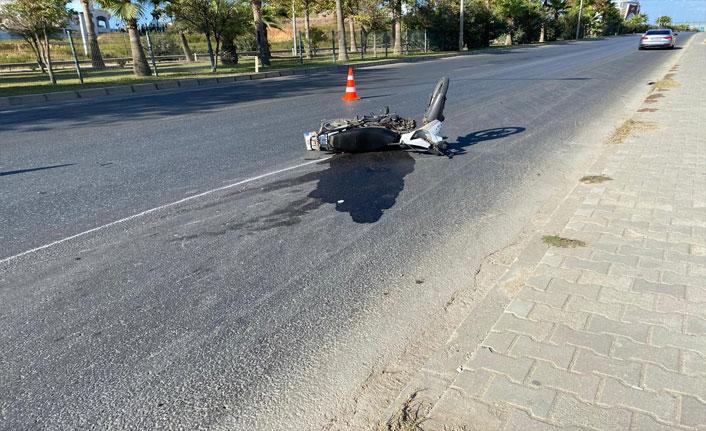 Ticari araç ile motosiklet çarpıştı