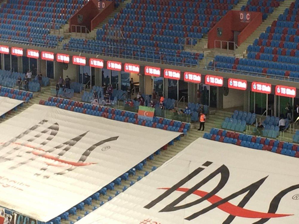 Trabzonspor taraftarı Azerbaycan'ı unutmadı