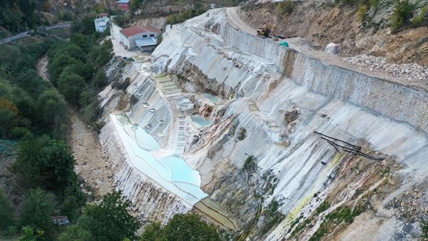 Göksu travertenleri Doğu Karadeniz'in Pamukkale'si olacak