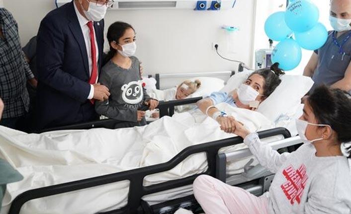Minik Elif hastanede annesiyle buluştu