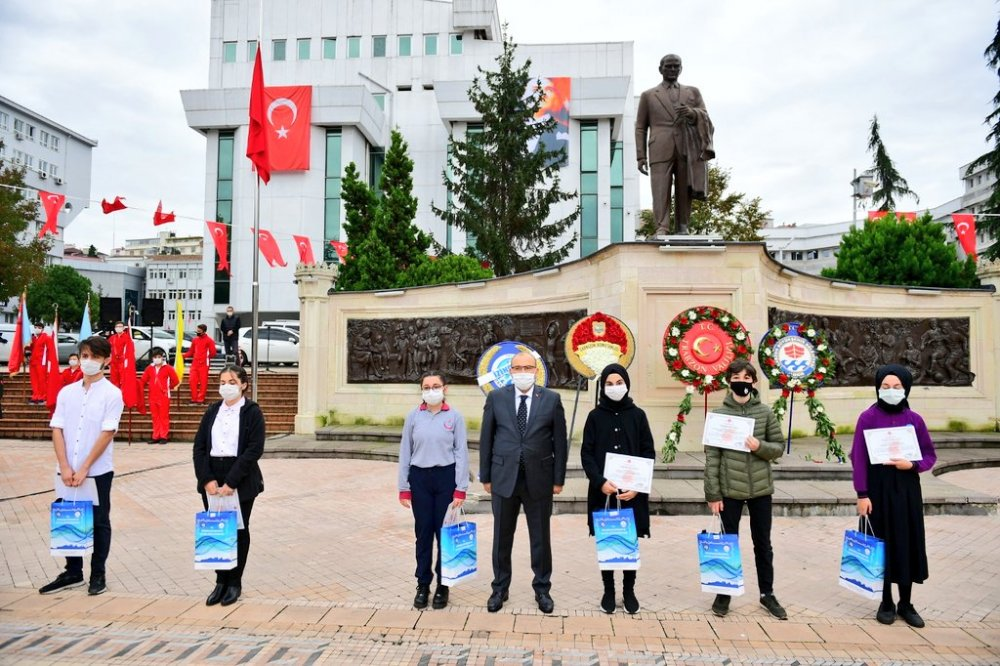 Trabzon Atasını andı