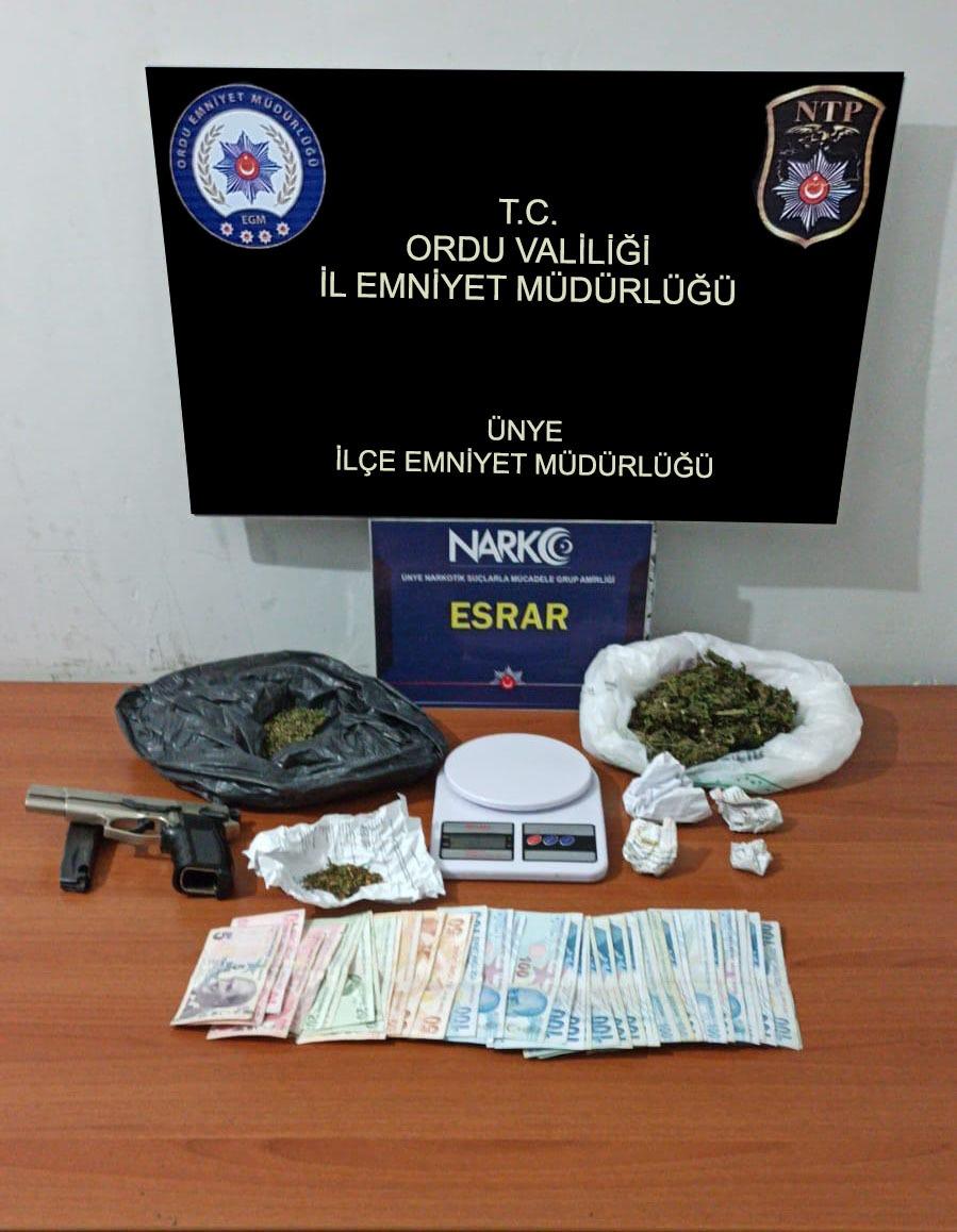 Uyuşturucu satıcısı kaçtı ama yakalanmaktan kurtulamadı