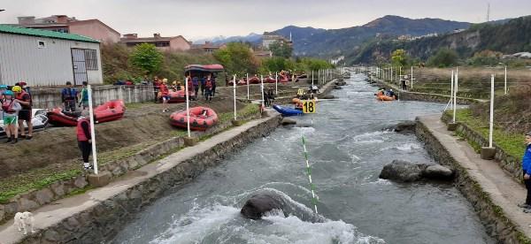 Ordulu sporcular rafting eğitimi için Rize'de