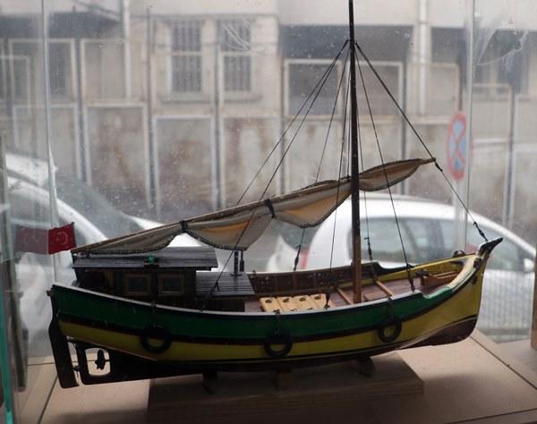 """Trabzon'da çocukluk oyuncağı """"maket gemiler"""" mesleği oldu"""
