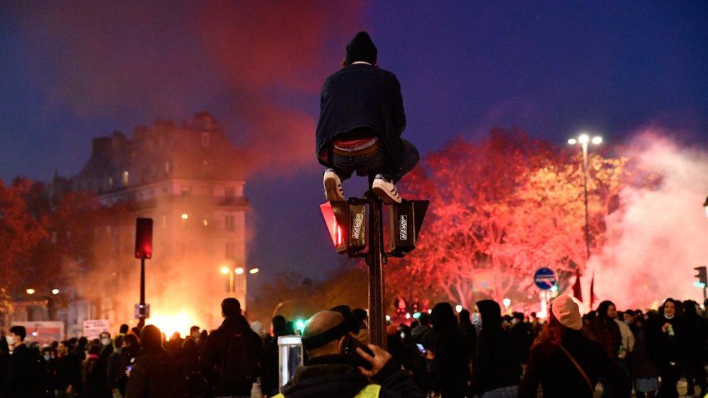 Fransa'da protestolarda olaylar çıktı