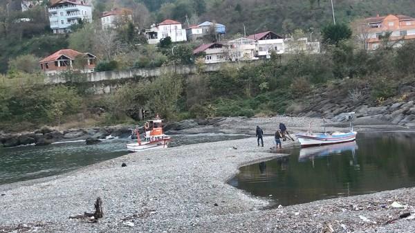 Giresun'da balıkçılar limanda mahsur kaldı